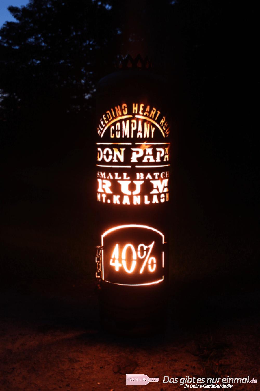 Don Papa Rum Feuerstelle mit Tür