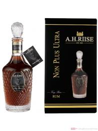 A. H. Riise Non Plus Ultra Rum 0,7l