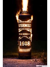 Bushmills Feuerstelle mit Tür