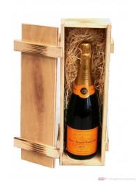 Veuve Clicquot Champagner Brut in Holzkiste geflammt 0,75 l.